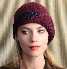 knitted hat. It's so vintage - Voilà un bonnet qui a de l'allure. Modèle tricot n°44 du catalogue n°134 : Accessoires, Automne/Hiver 2016.