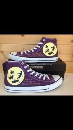 Peter Pan Converse wouldn't actually wear these much but they are awesome! Disney Converse, Cool Converse, Painted Converse, Custom Converse, Disney Shoes, Converse Sneakers, Painted Shoes, Disney Outfits, Custom Shoes
