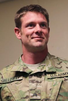 Dancing with the Stars Season 20, Noah Galloway with Sharna Burgess In 2005, this Iraq veteran lost his left arm above the elbow and left leg above the knee. Now a personal trainer, the 33-year-old double amputee was named 2014's Ultimate Men's Health Guy by Men's Health last year.