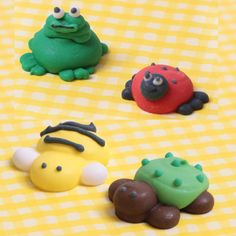 Top your delicious cupcakes with these adorable Garden Insects. Perfect for spring celebrations or birthdays, these edible ready-made by royal icing creations offer a way of decorating cupcakes hassle