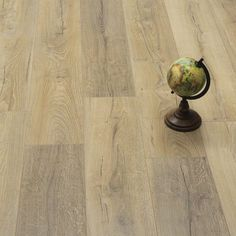 The Best Laminate Flooring Ideas You Would Love - Enjoy Your Time Laminate Flooring Basement, Herringbone Laminate Flooring, Laminate Flooring Colors, Direct Wood Flooring, Stone Flooring, Best Laminate, Grey Laminate, Wood Stone, Home Decor