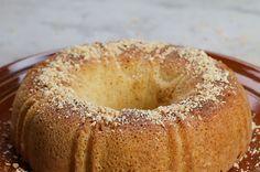 Um bolo de amendoim pra lá de fácil pro seu café da tarde!