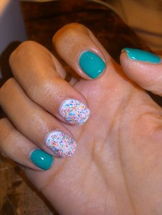 """Gelish nails   """"Radiance is my middle name"""" & White with """"Lots of dots"""" >>> ♥"""