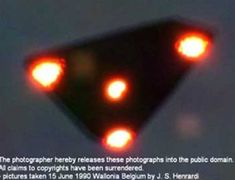 Michael Hogan: As the MoD releases its final UFO files, here are the world's most famous sightings of alien spaceships – sorry, we mean unidentified flying objects Aliens And Ufos, Ancient Aliens, Ufo Footage, Video Footage, Alien Crafts, Mysterious Universe, Unidentified Flying Object, Secret Space, Close Encounters