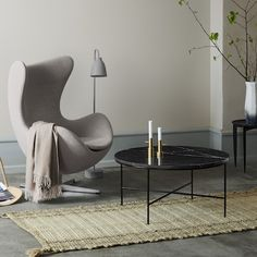 Republic of Fritz Hansen is an exclusive, international design brand whose timeless collection unites world-famous classic and contemporary furniture, lighting and accessories. Plywood Furniture, New Furniture, Furniture Design, Furniture Buyers, Arne Jacobsen, Eames, Egg Sessel, Ikea 2015, Style Deco