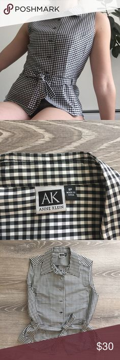 Anne Klein Plaid Sleeveless Button Up Anne Klein black & white plaid sleeveless Button Up w/ a tie waist 😇🖤 ps. tag reads an 8petite, but it could honestly fit nice on a medium Anne Klein Tops Button Down Shirts