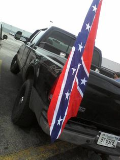 Ford 2002 Crew Cab with Rebel Flag. Boyfriends old truck, I miss it so much! Lifted Trucks, Old Trucks, Divergent, Boyfriends, Rebel, Closer, Baby Car Seats, First Love, Ford