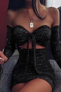 Glitter Off Shoulder Ruched Bodycon Dress – streetstylepop Vestidos Sexy, Mini Vestidos, Trend Fashion, Look Fashion, Fashion Pattern, Robe Bodycon, Glitter Dress, Glitter Outfit, Glitter Party