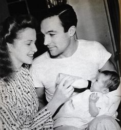 I wish i could travel back in time so Gene Kelly could look at me like that.