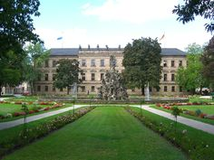 Backside of the manor-house of Erlangen, Germany, viewed from the Schlosspark. Places To Travel, Places To See, Next Holiday, Bavaria Germany, Beautiful Places In The World, Tourism, Erlangen Germany, Palaces, Europe