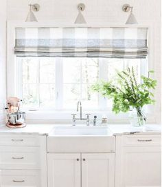 all-white kitchen with gray and white gingham roman shade // 12 Modern Ways to Decorate With Gingham White Kitchen Curtains, Kitchen Windows, Kitchen Sink Window, Gray And White Kitchen, Drapery Designs, Kitchen Window Treatments, My New Room, Modern Farmhouse, Home Kitchens