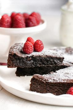 This kladdkaka also known as Swedish chocolate sticky cake is amazingly gooey delicious and only calls for 8 simple ingredients. This recipe includes a traditional option as well as a gluten-free dairy-free and vegan version. Chocolate Cake Video, Gooey Chocolate Cake, Dairy Free Chocolate Cake, Flourless Chocolate, Chocolate Desserts, Vegan Chocolate, Swedish Cuisine, Swedish Dishes, Swedish Recipes