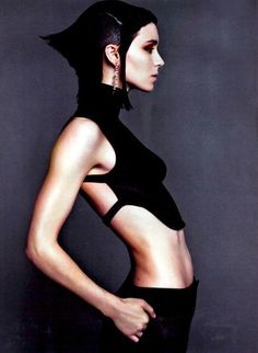 Rooney Mara --Love her in The Girl with the Dragon Tattoo! Can't wait for the ne. - Rooney Mara –Love her in The Girl with the Dragon Tattoo! Rooney Mara, Cyberpunk Mode, Cyberpunk Fashion, Lisbeth Salander, Vogue, Swagg, Editorial Fashion, Beautiful People, Fashion Photography