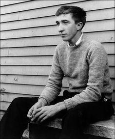 John Updike American novelist, poet, short story writer, art and literary critic. Ivy League Style, Ivy Style, Men's Style, Story Writer, Charming Man, Writers And Poets, American Literature, Book Authors, Paperback Writer