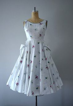 1950's Sundress with Great Pockets POCKETS!!