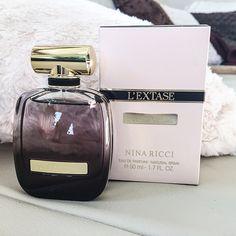 Nina Ricci L'Extase edp disponibil la 30, 50 si 80 ml apa de parfum din martie 2015.  Parfum nou Nina Ricci L'Extase apa de parfum http://www.iselin.ro/nina-ricci-l-extase-edp-women-4958.html