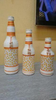 Mimos da casa Garrafas decoradas Reuse Bottles, Painted Wine Bottles, Painted Wine Glasses, Bottles And Jars, Glass Bottles, Wine Bottle Glasses, Wine Bottle Art, Diy Bottle, Jar Art