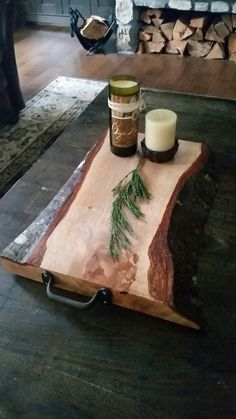 Handcrafted Charcuterie Board Plateau Charcuterie, Charcuterie Board, Diy Craft Projects, Wood Projects, Woodworking Projects, Serving Tray Wood, Wood Tray, Diy Cutting Board, Wood Cutting Boards