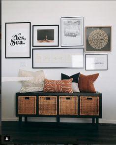 Hartman Haus - DIY from Ikea - Kallax + Baskets. Available in black, white. Hartman Haus - DIY from Ikea - Kallax + Baskets. Available in black, white. Living Room White, Living Room Decor, Ikea Kallax Regal, Ikea Kallax Hack, Ikea Kallax White, Kallax Shelf, Ikea Basket, New Swedish Design, Home Decor Baskets