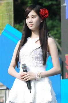 seo hyun @ KyungBok High School Festival (Hyunhock)