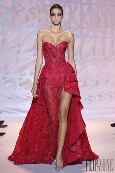 Zuhair Murad Autunno-Inverno 2014-2015 - Alta moda - http://it.flip-zone.com/fashion/couture-1/fashion-houses/zuhair-murad-4826