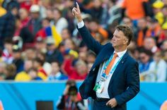 Head coach Louis Van Gaal of the Netherlands gestures during the 2014 FIFA World Cup Brazil Group B match between Australia and Netherlands at Estadio Beira-Rio on June 18, 2014 in Porto Alegre, Brazil