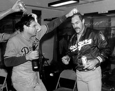 Mike Scioscia and Kirk Gibson