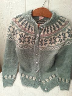 Made in Denmark super fuzzy wool snow sweater by idaboughtthat Fair Isle Knitting Patterns, Knitting Designs, Knitting Projects, Fair Isles, Cardigans, Sweaters, Sweater Weather, Knit Cardigan, Baby Knitting