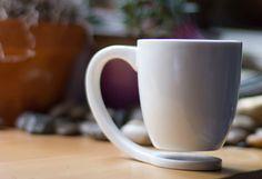 J'ai enfin trouvé la tasse qui me représente et que je pourrai utiliser au bureau! J'espère que je serai capable d'en commander...