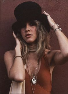 Stevie Nicks. cosmic hippie mama with style.