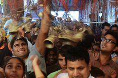 Celebración hindúDevotos celebran un aniversario del templo histórico de Bhadarkali en Amritsar, La India.