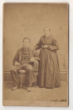 Husband and Wife in YORK PA Pennsylvania Carte de Visite CDV Antique Photograph. Photo by Fitz James Evans in the 1859-1863 range.