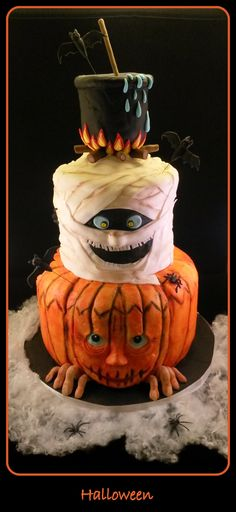 A Halloween 3 tier cake, Happy Halloween everybody! A Halloween 3 tier cake, Happy Halloween everybody! Halloween Desserts, Gateau Theme Halloween, Happy Halloween, Halloween Torte, Postres Halloween, Halloween Food For Party, Halloween Birthday, Halloween Treats, Funny Halloween