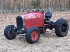 Risultati immagini per doodlebug tractor Antique Tractors, Vintage Tractors, Old Tractors, Antique Cars, Hot Rod Trucks, Cool Trucks, Cool Cars, Garden Tractor Pulling, Homemade Tractor