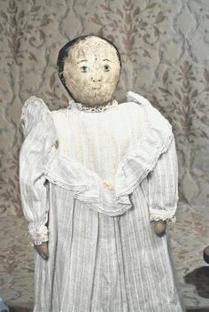 ONE-OF-A-KIND AMERICAN PRIMITIVE CLOTH DOLL. 25