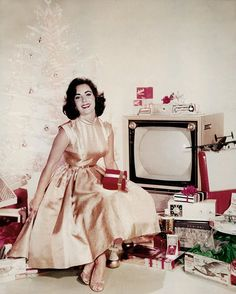 Hope your Christmas is as chic as Elizabeth Taylor's