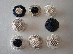お知らせしていたイベントが明日から始まります。  matsuda sawa new collection 4月1日(水)~15日(水) ... Macrame Rings, Macrame Knots, Macrame Jewelry, Crochet Art, Crochet Motif, Macrame Tutorial, Macrame Patterns, Crochet Purses, Tapestry