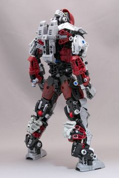 blogolego:  Johnny-Dai make his own Vakama LEGO Bionicle, and the result is unbelievable!  WOW. INSTRUCTIONS PLEASE. ;_;