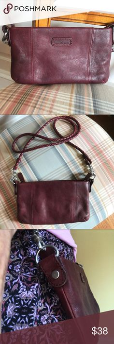 Ellington leather Crossbody clutch Excellent condition. No scratches or blemishes inside or out. Barely used. Quality hardware and quality craftsmanship. Ellington is a very good leather goods company. This bag is perfect for a night out or a day at a festival. Holds cell phone, credit cards and a few other necessities. Ellington Bags Crossbody Bags