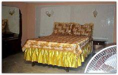 Detalle de uno de los dormitorios. Colonial, Bed, Furniture, Home Decor, Home, Yurts, Decoration Home, Stream Bed, Room Decor