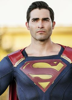 Tyler Hoechlin, Superman in Supergirl Season 2 premier