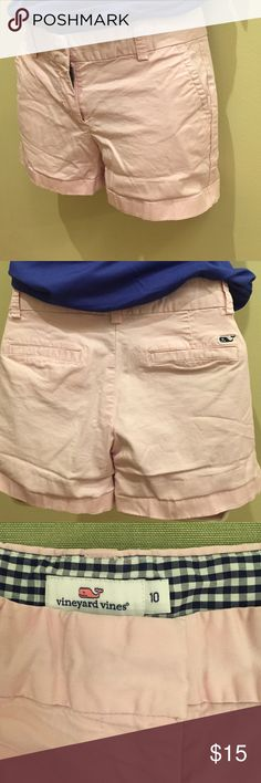 ☀️vineyard vines kids size 10 shorts☀️ Light pink cotton shorts from Vineyard Vines☀️. No stains(just a little wrinkled- I will iron before sending). Mint condition  Vineyard Vines Shorts