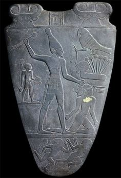 Palette of Narmer, c. 3000 B.C. The first written history in the entire world! I want to travel to Egypt, such rich history.