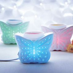 Pretty way to add fragrance to a bedroom. Find these and other lovely home fragrance decor ideas at PartyLite.biz/LMarie!
