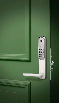 Secure your home with code lock - Yale Doorman Yale Locks, Smart Door Locks, Home Security Tips, Home Decor Kitchen, B & B, Door Design, Door Handles, Modern Design, Pos