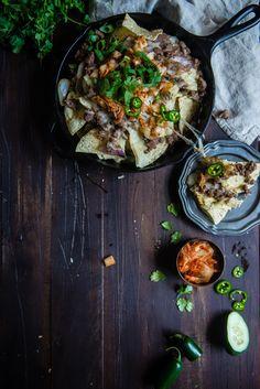 kimchi bulgogi nachos | http://tworedbowls.com