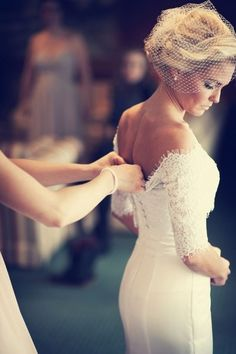 Choose a shorter veil, perfect for a southern bride