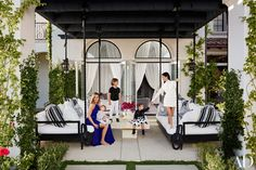 Khloé and Kourtney Kardashian Realize Their Dream Houses in California Photos | Architectural Digest