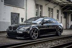 BMW E60 M5 V10