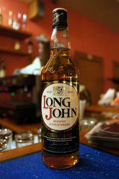 Es un tipo de blended, se llama así en honor de Long John McDonald, apodado Long John (Juan el Largo).  La destilería original fue de Fort William, Long John fue durante muchos años propiedad de la familia de su fundador.